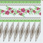 Dreierrose mit farbigem Garn, Variante Nr. 3, nur oben und unten ein grüner Perlenstreifen. Über den Spitzen und die Rosen herum kommt das farbige Garn (frei wählbar) zur Geltung. (89€).