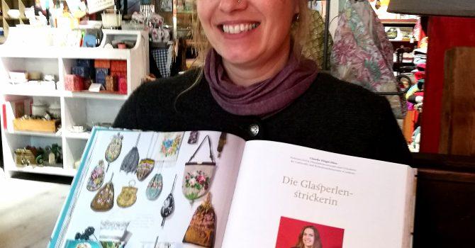 """Claudia Flügel-Eber Glasperlenstrickerin im Buch """"Mit Liebe zum Detail""""3"""