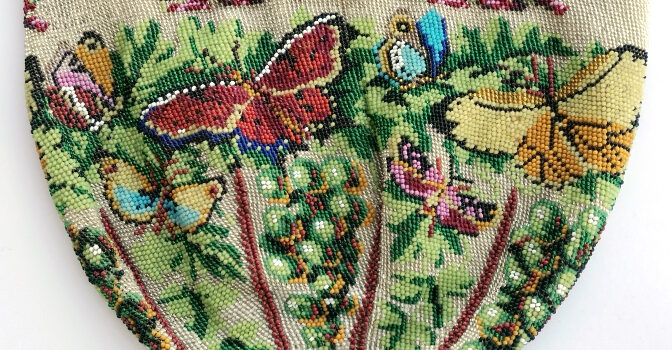 Carakess Perlbeutelmuseum Schmetterlingsbeutel_1